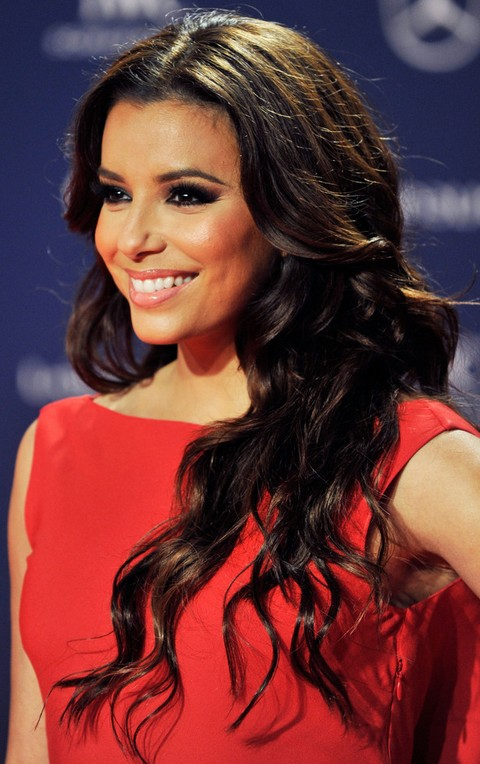 Eva Longoria Hairstyles: Pretty Long Wavy Hairstyle