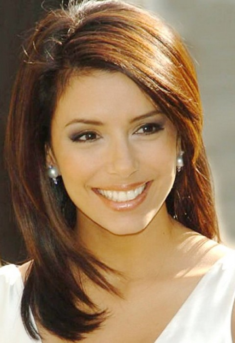 Eva Longoria Hairstyles: Side-parted Straight Haircut