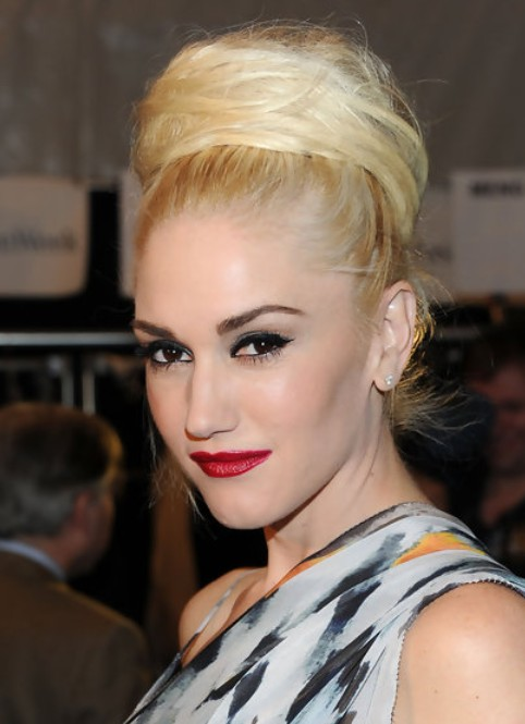 Gwen Stefani Long Hairstyle: Classic Bun