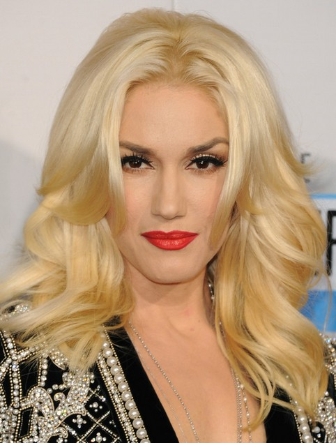 Gwen Stefani Long Hairstyle: Curls with Bangs