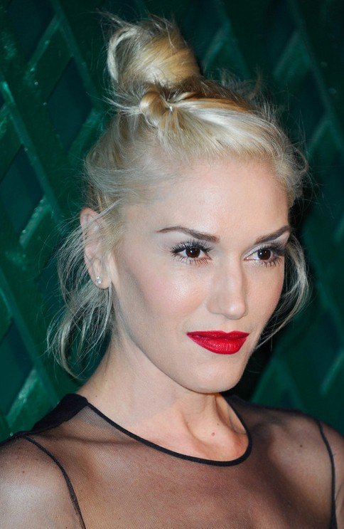 Gwen Stefani Long Hairstyle: Playful Hair Knot