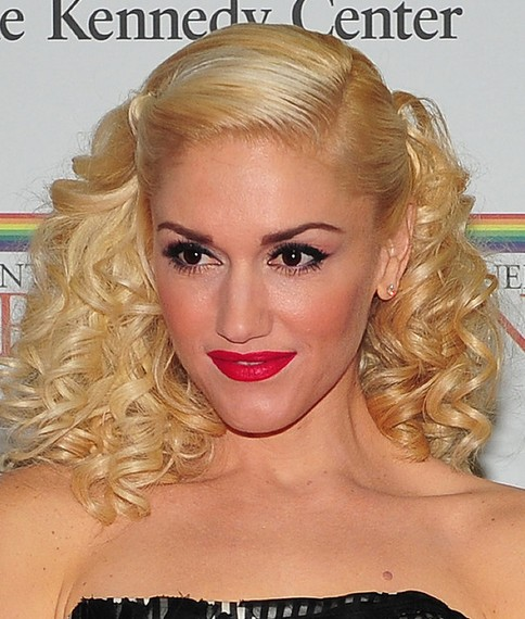 Gwen Stefani Medium Hairstyle: Curly Locks
