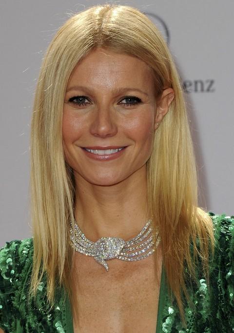 Gwyneth Paltrow Hairstyles: Blonde Straight Haircut