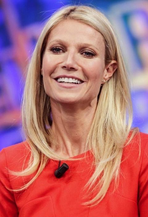 Gwyneth Paltrow Hairstyles: Elegant Straight Haircut