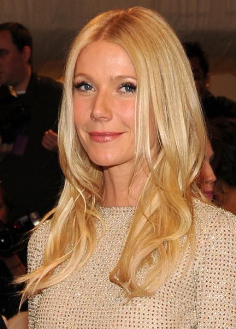 Gwyneth Paltrow Hairstyles: Glossy Curls