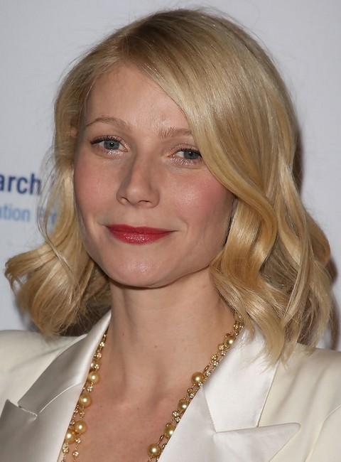 Gwyneth Paltrow Hairstyles: Sheeny Curls