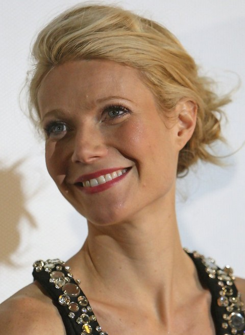 Gwyneth Paltrow Hairstyles: Tousled Chignon