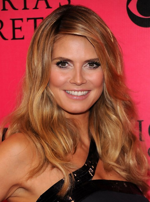 Heidi Klum Long Hairstyle: Blonde Waves with Side Part