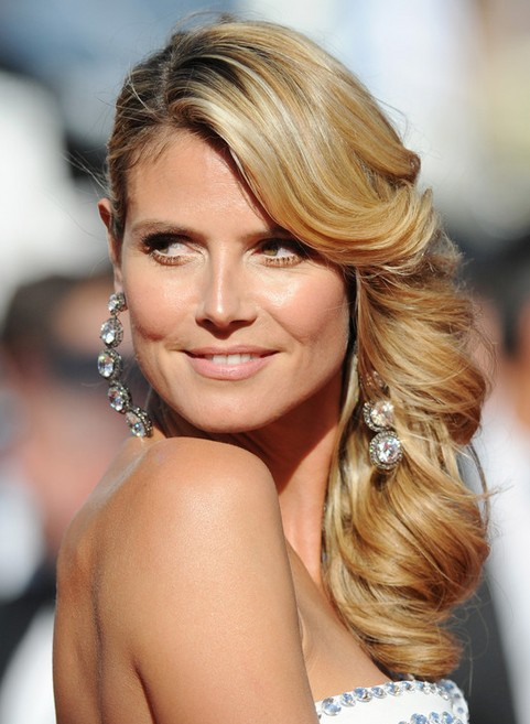 Heidi Klum Long Hairstyle: Long Side Part