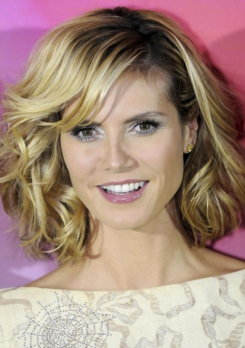 Heidi Klum Medium Length Hairstyle: Curly Bob - Pretty Designs
