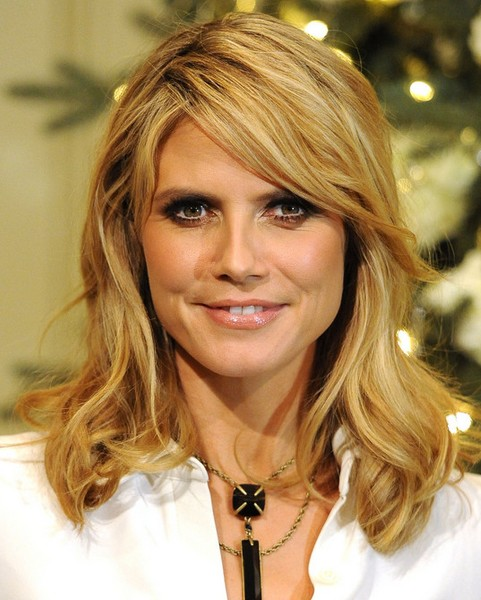 Heidi Klum Medium Length Wavy Haircut With Bangs
