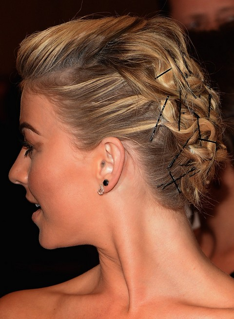 Julianne Hough Hairstyles: Bobby Pinned Updo