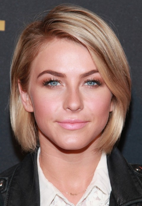 Julianne Hough Hairstyles: Mid-length Bob