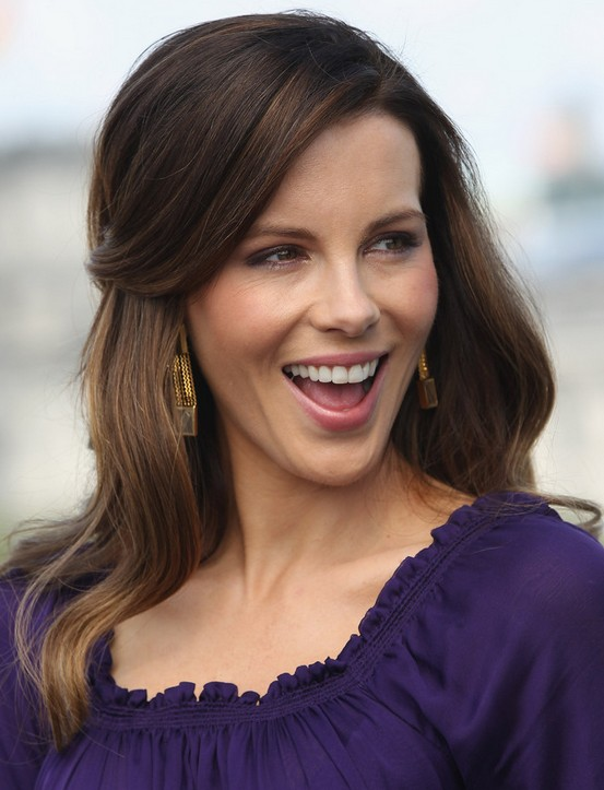 Kate Beckinsale Hairstyles: Beautiful Half-up Half-down