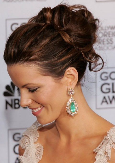 Kate Beckinsale Hairstyles: Pretty Bobby Pinned Updo