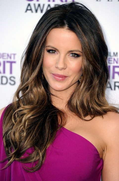 Kate Beckinsale Hairstyles: Voluminous Long Curls
