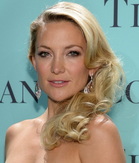 Kate Hudson Hairstyles: Chic Long Curls