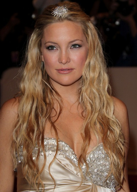 Kate Hudson Hairstyles: Gorgeous Long Curls