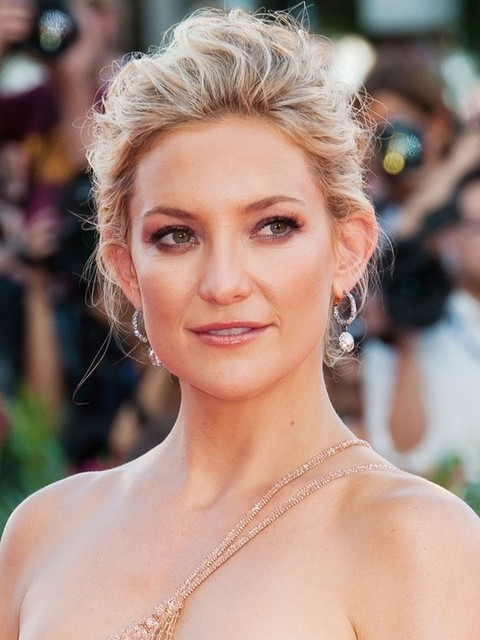 Kate Hudson Hairstyles: Gorgeous Messy Updo