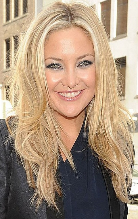 Kate Hudson Hairstyles: Messy Stragith Haircut