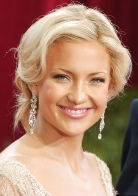 Kate Hudson Hairstyles: Retro-chic Updo