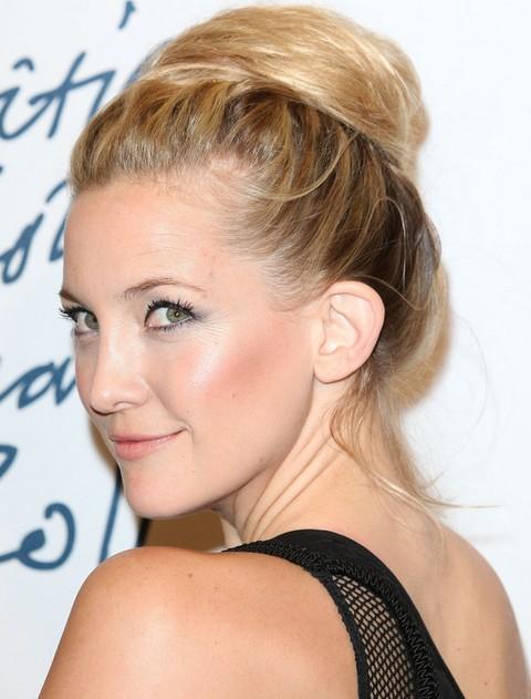 Kate Hudson Hairstyles: Stylish Loose Bun