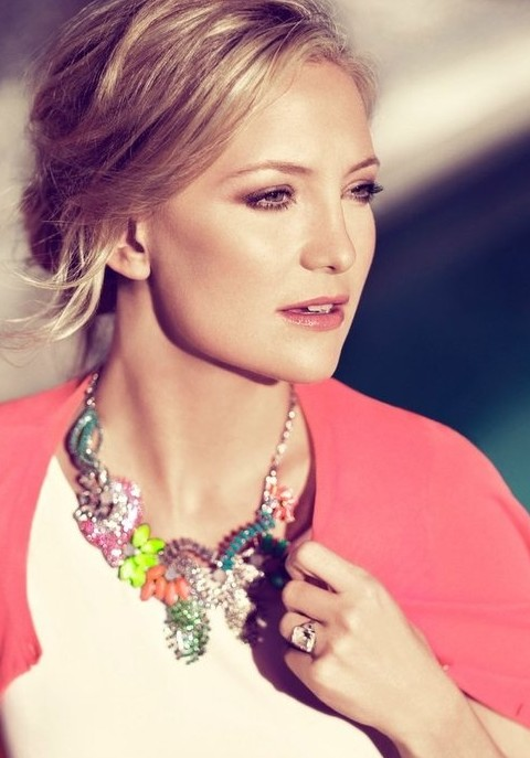 Kate Hudson Hairstyles: 2014 Trendy Loose Bun
