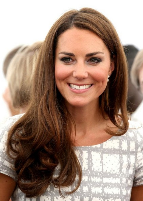 Kate Middleton Hairstyles: Side-swept Loose Curls