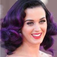 Katy Perry The Trendy Purple Highlighted Curly Hairstyle for Medium Hair