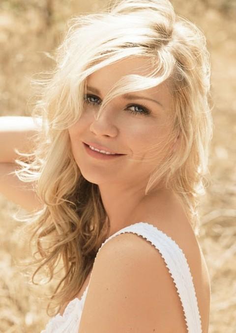 Kirsten Dunst Hairstyles: Blonde Curls