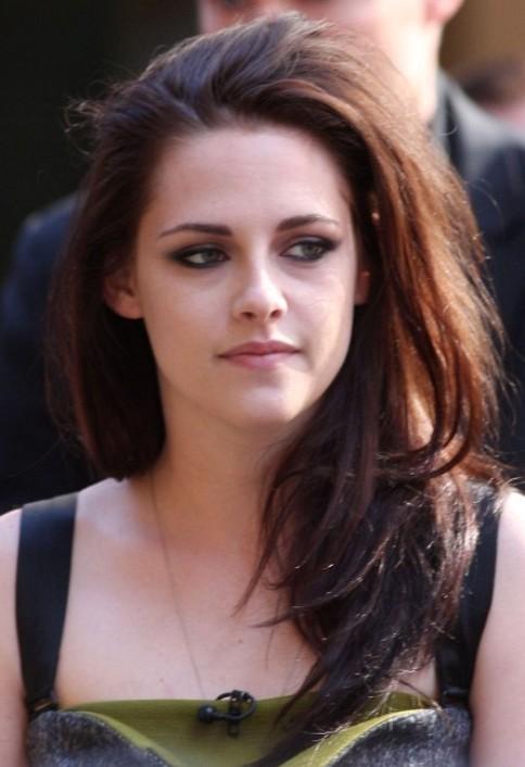 Kristen Stewart Long Hairstyle: Casual Straight Locks