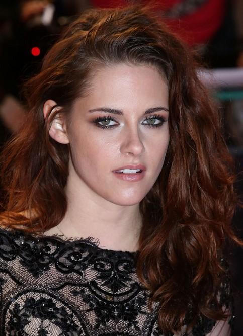 Kristen Stewart Long Hairstyle: Wavy Hair