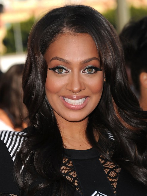 La La Anthony Long Hairstyle: Deep Side Parted Bangs
