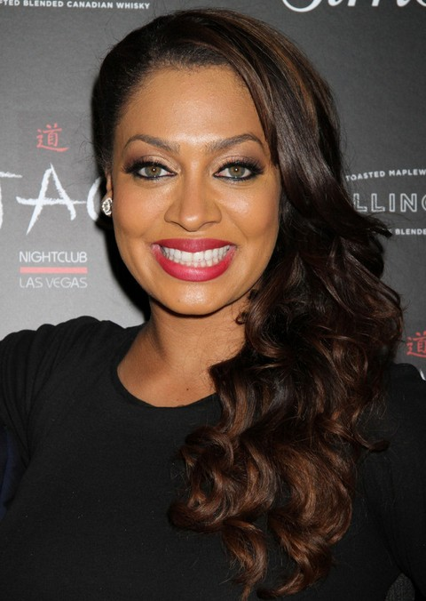 La La Anthony Long Hairstyle: Side Part for Women under 40