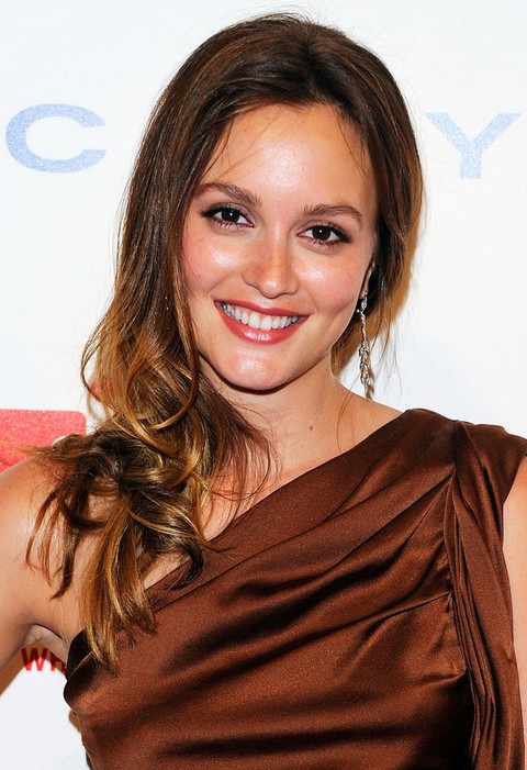 Leighton Meester Hairstyles: Brunette Curls with Highlights