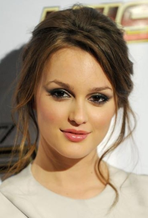 Leighton Meester Hairstyles: Messy Updo