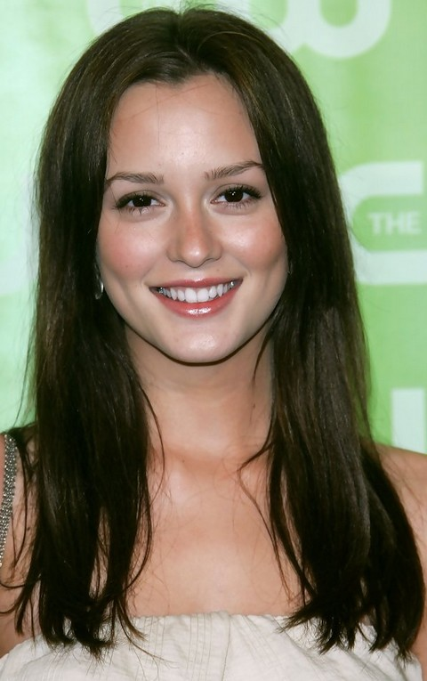 Leighton Meester Hairstyles: Sweet Casual Look