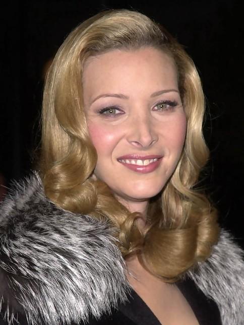 Lisa Kudrow Medium Length Hairstyle: Retro Hairstyle