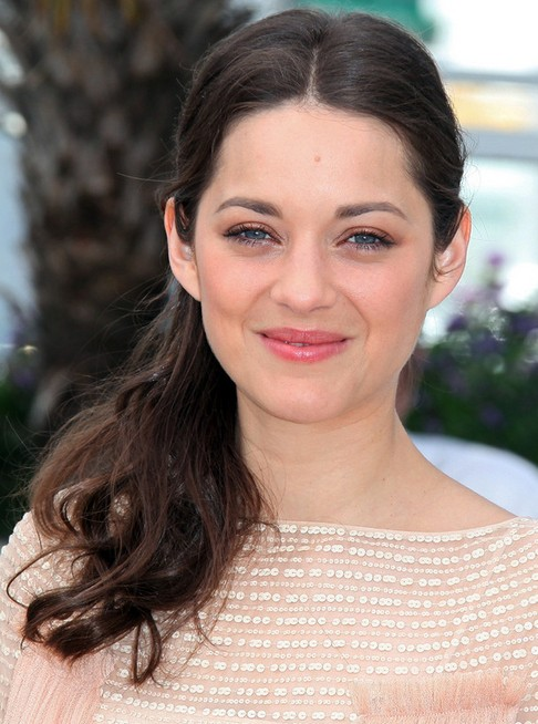 Marion Cotillard Long Hairstyle: Ponytail with Center Part