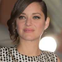 Marion Cotillard Short Hair style: 2014 Retro Side Swept Curls