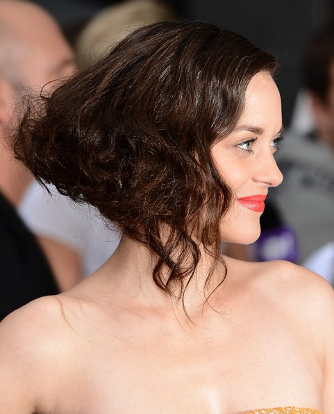 Marion Cotillard Short Hairstyle: Brown Wavy Haircut