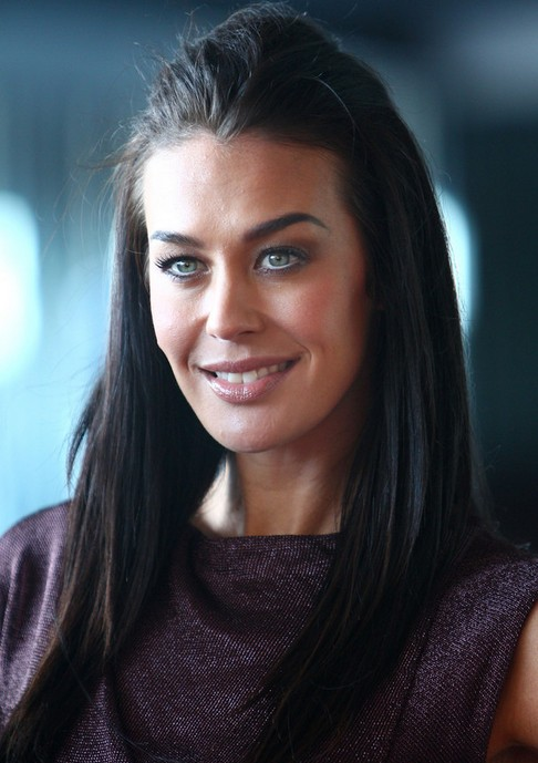 Megan Gale Long Hairstyle: Straight Haircut