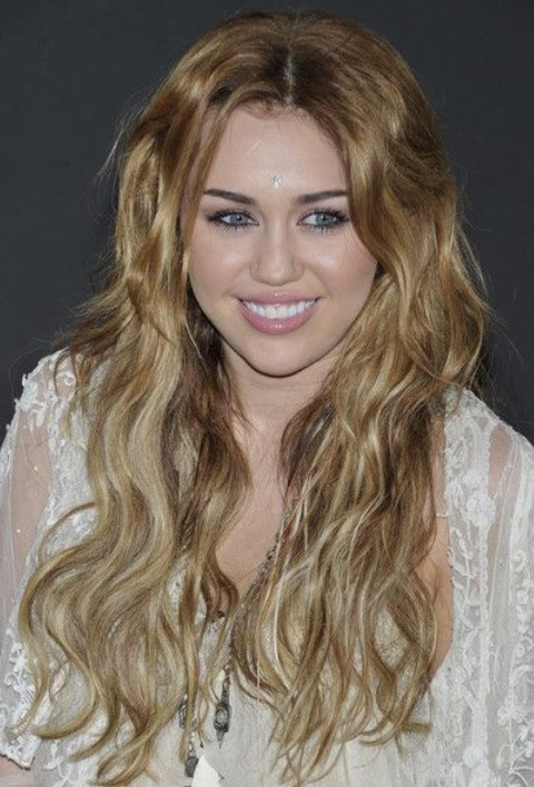 Miley Cyrus Hairstyles: Blonde Curls