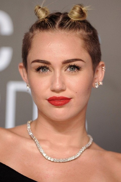 Miley Cyrus Hairstyles: Cute Hair Knot