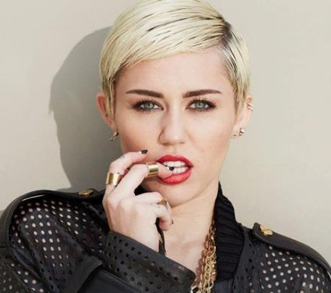 Miley Cyrus Hairstyles: Handsome Short Haircut