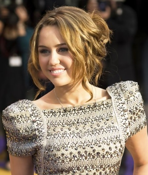 Miley Cyrus Hairstyles: Messy Updo