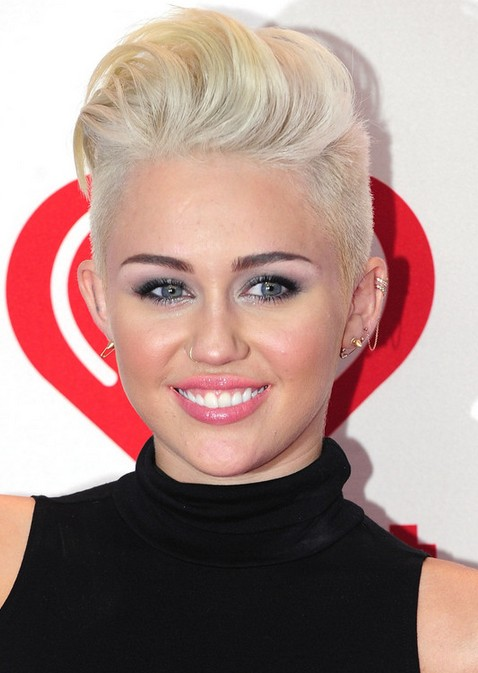 Miley Cyrus Hairstyles: Platinum Short Haircut