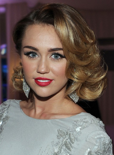 Miley Cyrus Hairstyles: Radiant Medium Curls
