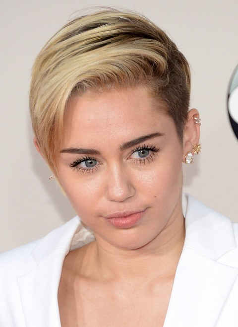 Miley Cyrus Hairstyles: Short Haircut