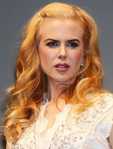 Nicole Kidman Long Hairstyle: Curls for Picture Day